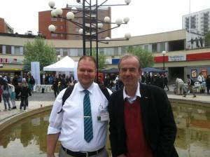 Rågsvedsdagen 2012 Conny Mörke sekreterare ich webbansvarig och Jan Runfors ordförande Rågsveds Samhällsförening.